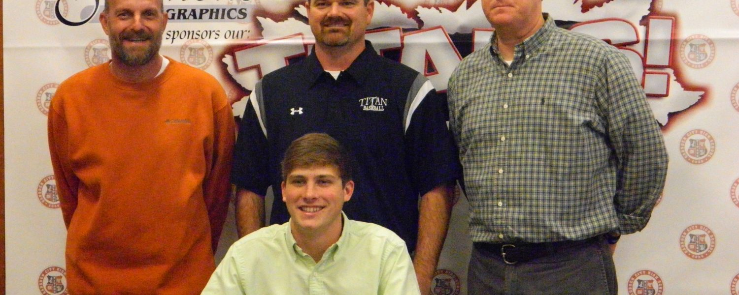 Titan hurler signs with Shelton