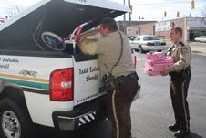Sheriff's Department spreads 'Christmas Cheer'