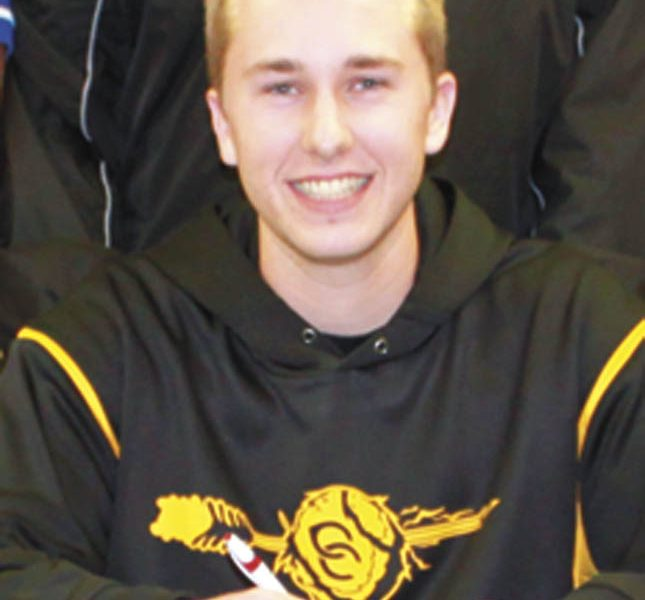 Centre's Surrett signs with GSCC