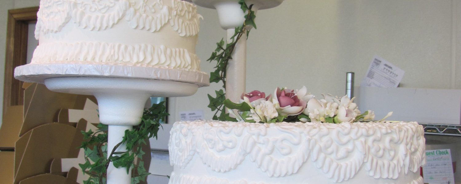 Cothran's bakers work to achieve a bride's vision