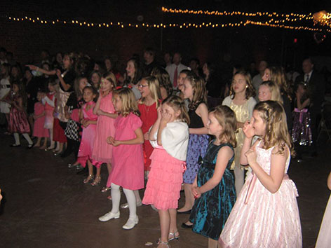 YMCA hosts Father/Daughter Sweetheart Dance