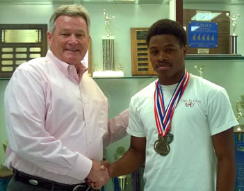 Etowah's Thomas wins gold at state track meet