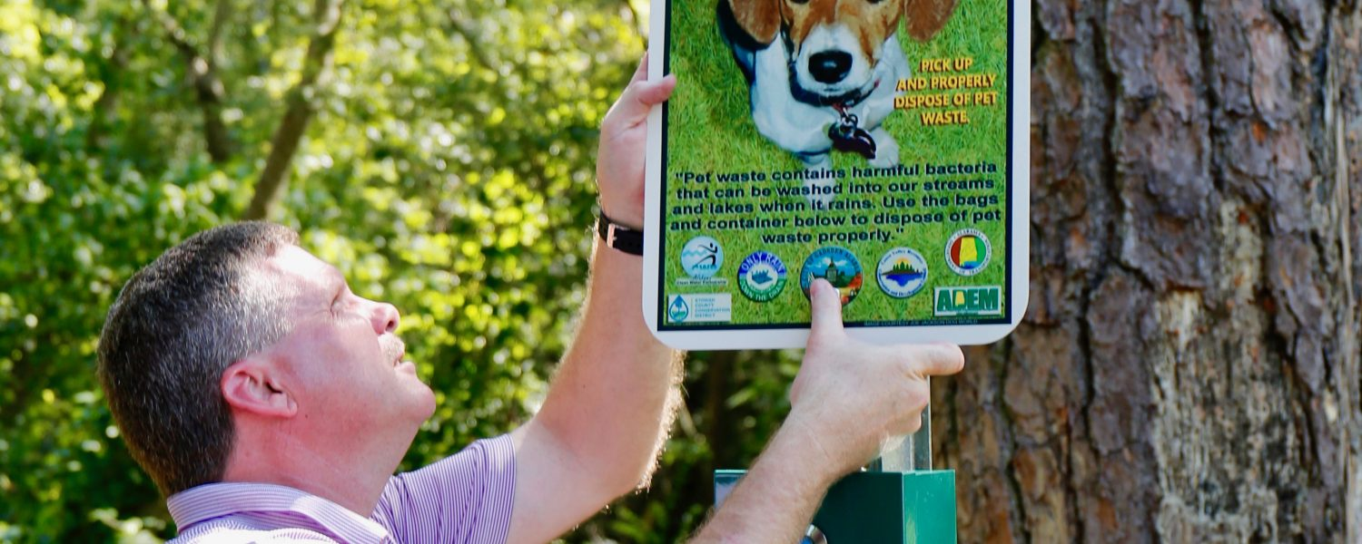 Waste stations installed on trails