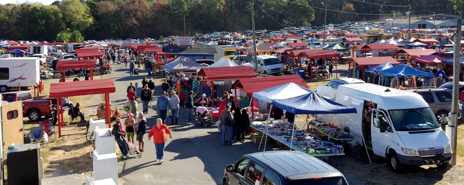 Shoppers flock to Mountain Top Flea Market