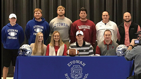 Etowah's Hyatt signs with Arkansas