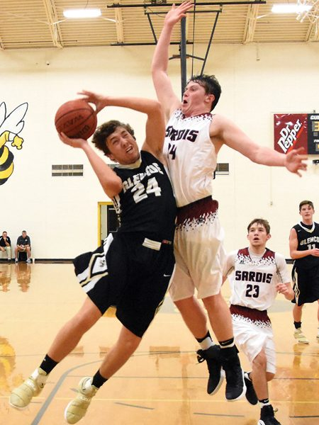 Yellow Jackets edge Sardis in county semifinals