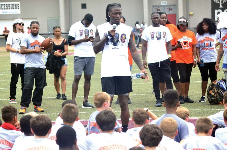 Former Titan holds football camp for local youths
