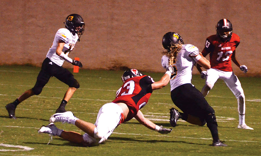 Yellow Jackets rally past Westbrook, 28-14