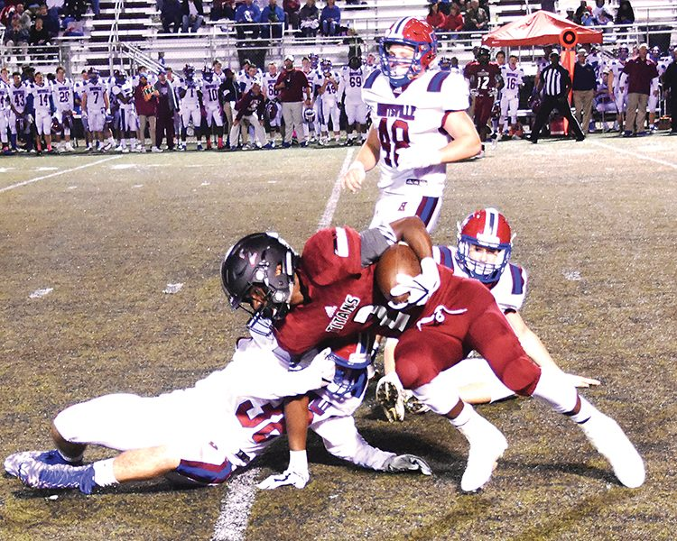 Huntsville edges Titans on last-second field goal