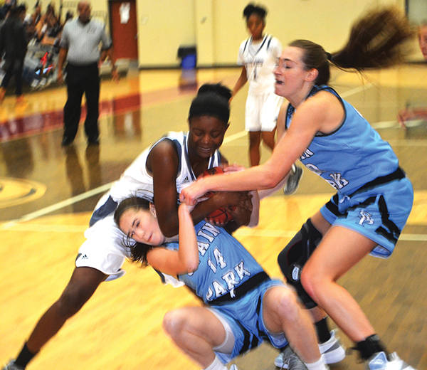 Lady Titans battle No. 3 Spain Park to the wire