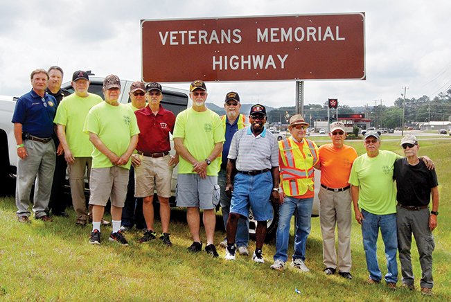 Glencoe unveils new Hwy. 431 memorial sign