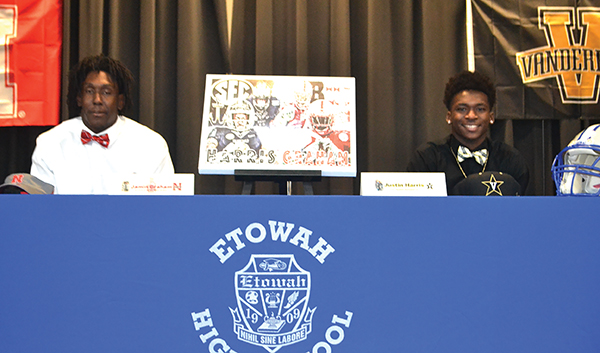 Etowah High trio sign DI football scholarships